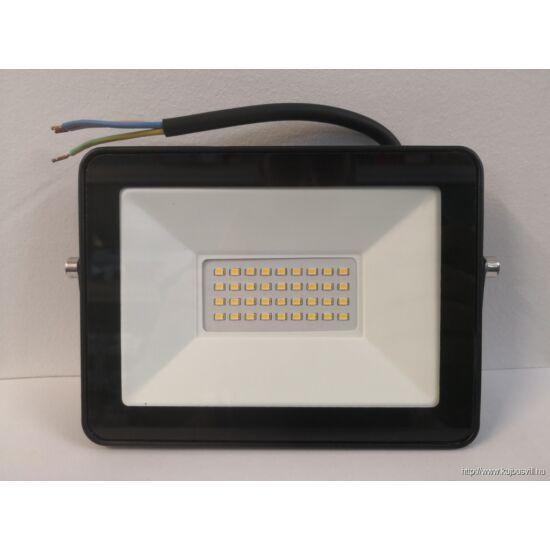 K-LED Reflektor 30W 4000K IP.65 fekete KUJ102